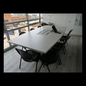 Sala de Juntas para cómodas reuniones. Fabricada en aglomerado